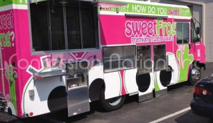 Desserts Trailers - Sweet Frog