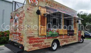 Poutine Dog Cafe Food Truck