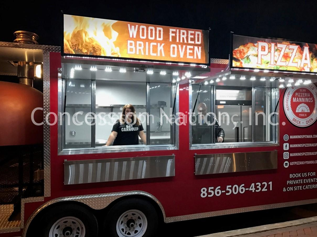 Brick oven pizza trailer_Mannino